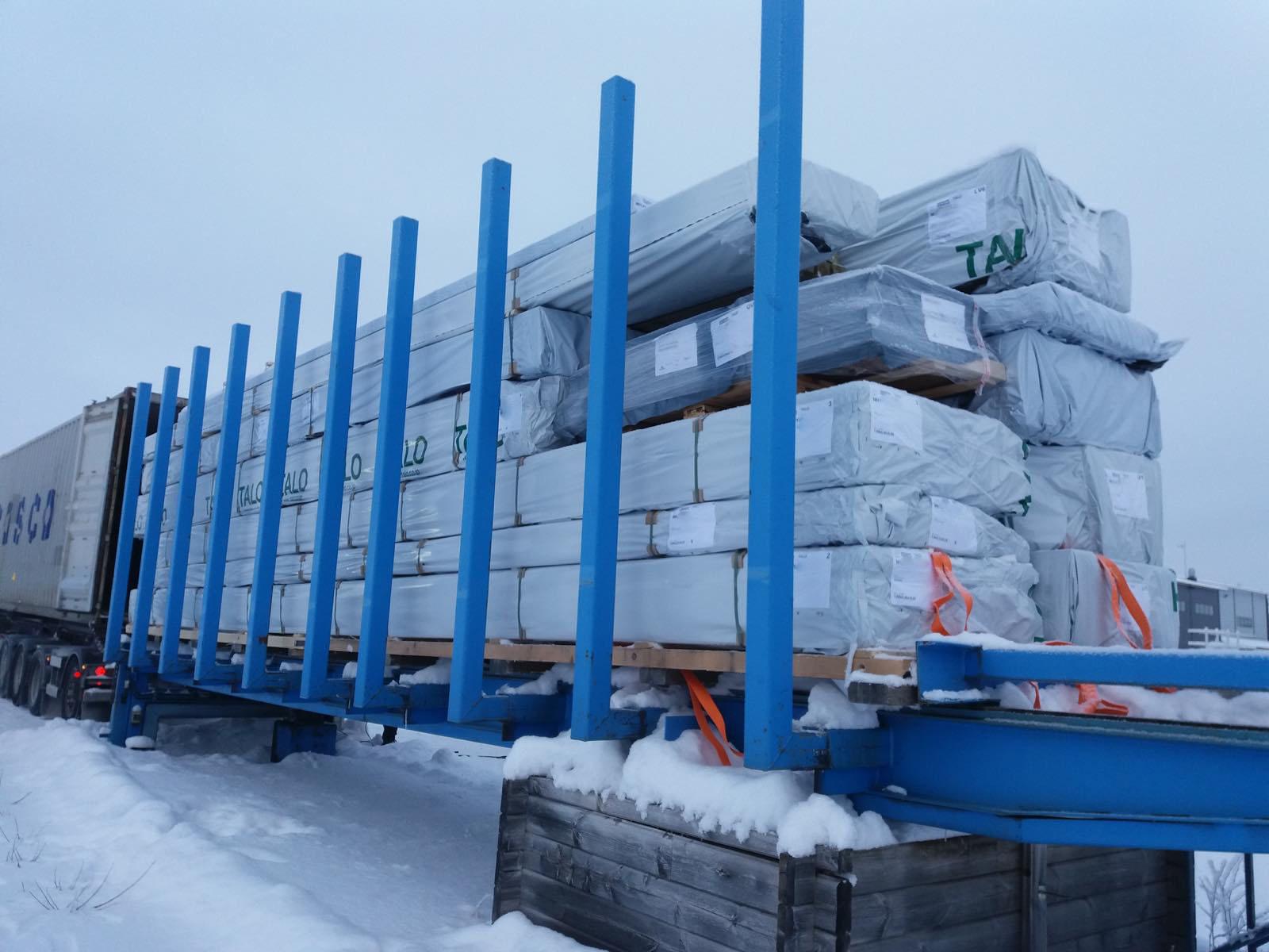 フィンランドの部材が出荷される様子です